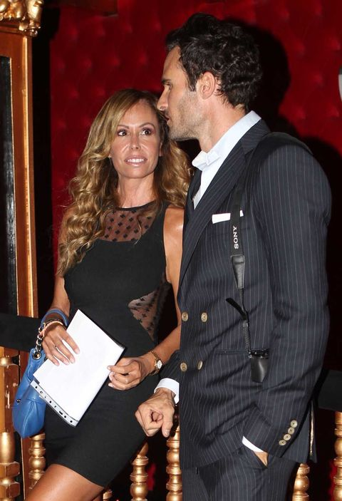 Dress shirt, Dress, Formal wear, Interaction, Cocktail dress, Belt, Day dress, Button, One-piece garment, Pocket,