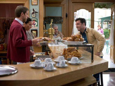 Table, Serveware, Cuisine, Dishware, Tableware, Dish, Meal, Plate, Houseplant, Recipe,