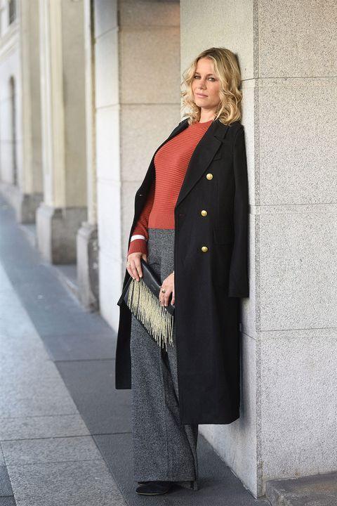 Clothing, Sleeve, Collar, Coat, Outerwear, Standing, Formal wear, Street fashion, Blazer, Overcoat,