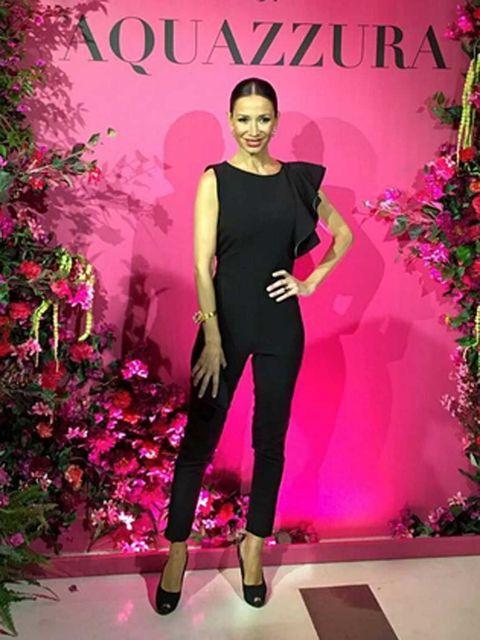 Red, Pink, Style, Magenta, Fashion, Fashion model, Waist, High heels, Fashion design, Model,