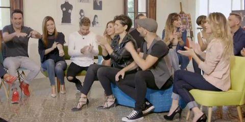 Hair, Footwear, Leg, People, Social group, Trousers, Jeans, Sitting, Comfort, Community,