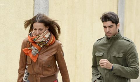 Sleeve, Jacket, Textile, Collar, Stole, Wrap, Fashion, Orange, Scarf, Street fashion,