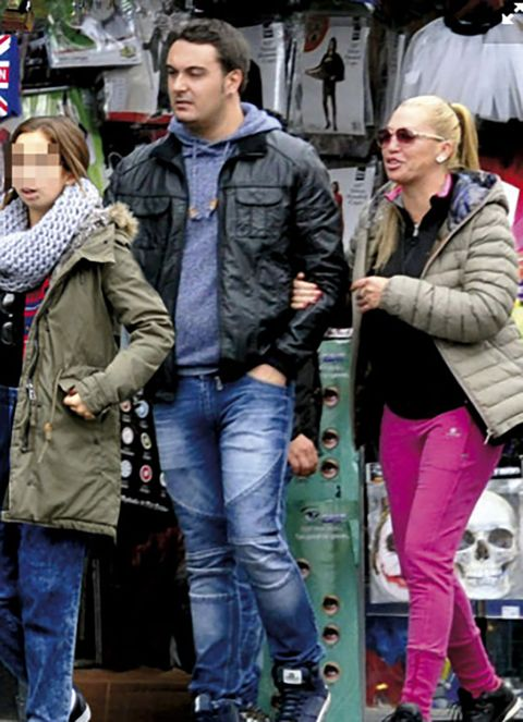 Clothing, Leg, Jacket, Trousers, Coat, Denim, Textile, Outerwear, Jeans, Style,