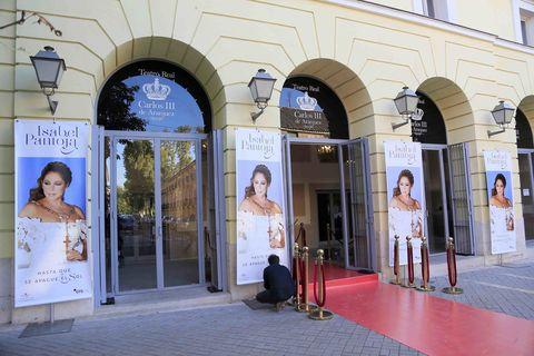 Arch, Advertising, Banner, Carpet, Arcade,