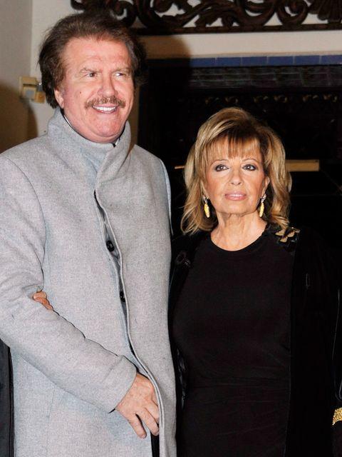 Edmundo Arrocet con su hermana Berta y María Teresa Campos
