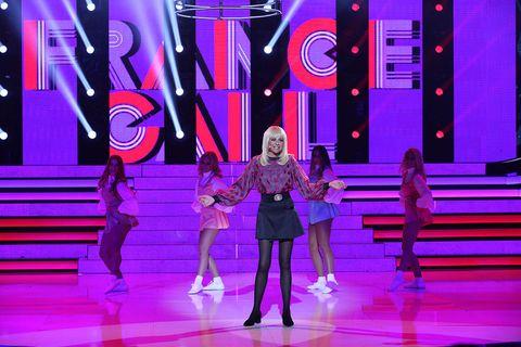 Magenta, Purple, Pink, Violet, Stage, Dance, Talent show, Fashion design, Concert dance, heater,