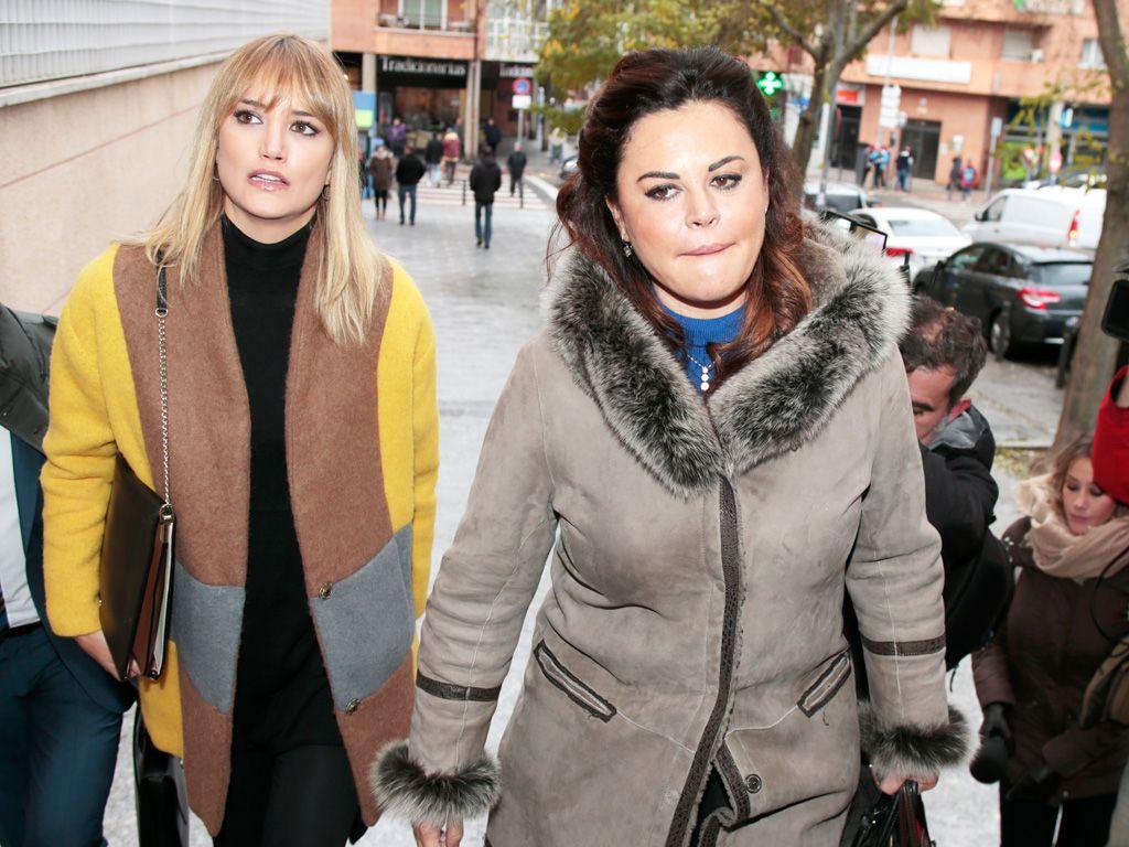 Alba Carrillo y Feliciano López en el juzgado
