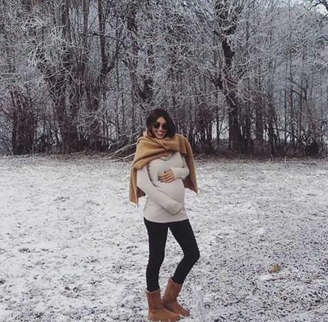 Winter, Brown, Human body, Sleeve, Shoulder, People in nature, Active pants, Street fashion, Snow, Forest,