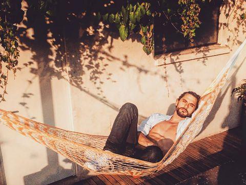 Hammock, Comfort, Sitting, People in nature, Lap, Beard,