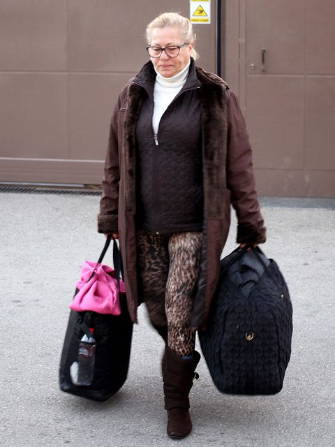 Brown, Bag, Textile, Outerwear, Winter, Style, Luggage and bags, Street fashion, Fashion, Jacket,