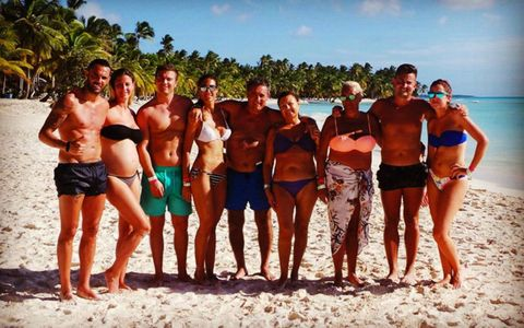 Leg, Fun, People, Social group, Human body, Standing, People on beach, Barechested, Summer, People in nature,