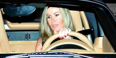 Motor vehicle, Automotive design, Eye, Eyebrow, Automotive exterior, Vehicle door, Eyelash, Organ, Beauty, Long hair,