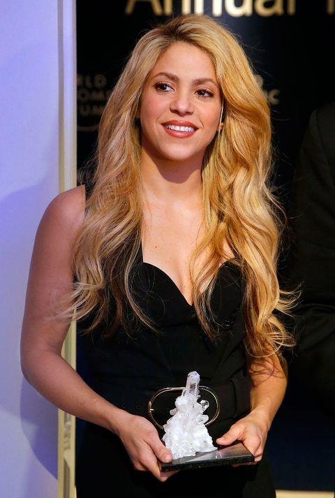 Dress, Blond, Long hair, Eyelash, Brown hair, Cocktail dress, Day dress, Fashion model, Layered hair, Model,