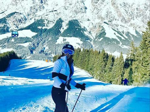 Mountainous landforms, Recreation, Winter, Winter sport, Helmet, Snow, Slope, Outdoor recreation, Mountain range, Mountain,