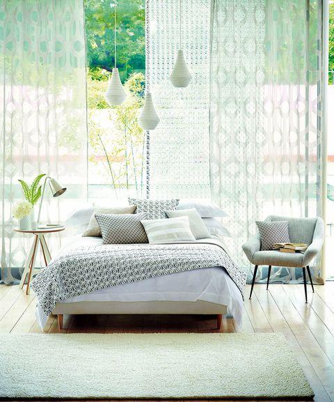 habitación cortinas verano
