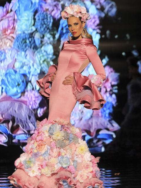 Human body, Dress, Pink, Style, Fashion, Fashion model, Costume design, Gown, Model, One-piece garment,