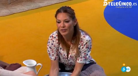 Nose, Mouth, Serveware, Community, Facial expression, Dishware, Sitting, World, Cup, Majorelle blue,