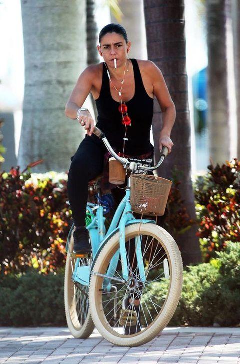 Wheel, Bicycle tire, Bicycle wheel, Jewellery, Bicycle wheel rim, Bicycle frame, Bicycle accessory, Bicycle, Bicycle part, Bicycle fork,