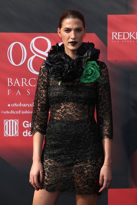 Dress, Fashion model, Fashion, Model, One-piece garment, Day dress, Cocktail dress, Fashion show, Fashion design, Carpet,