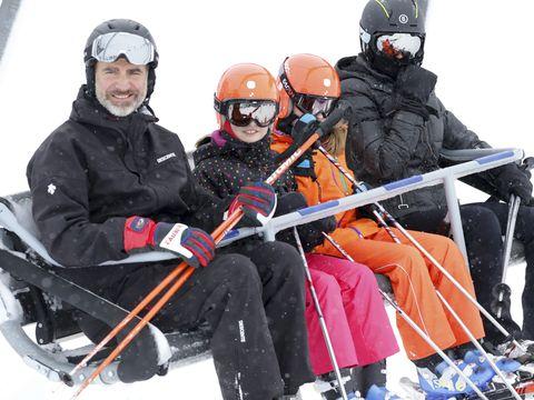 Eyewear, Vision care, Winter, Recreation, Goggles, Helmet, Personal protective equipment, Outdoor recreation, Jacket, Winter sport,