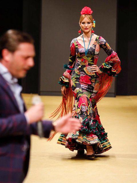 Style, Formal wear, Fashion, Costume design, Fashion design, Makeover, Lipstick, Drama, Model, One-piece garment,