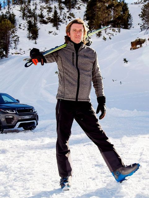 Winter, Trousers, Snow, Freezing, Automotive lighting, Slope, Jacket, Headlamp, Bumper, Street fashion,