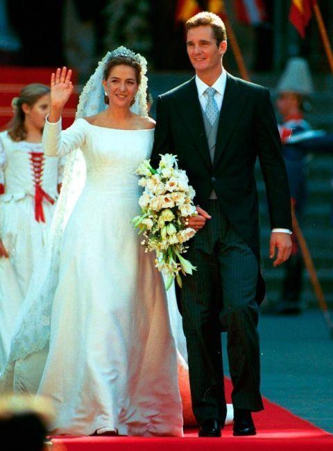 Event, Trousers, Coat, Shirt, Dress, Bridal clothing, Happy, Formal wear, Suit, Suit trousers,