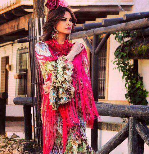Magenta, Pink, Fashion accessory, Lipstick, Costume, Hair accessory, Headpiece, Model, Makeover, Embellishment,
