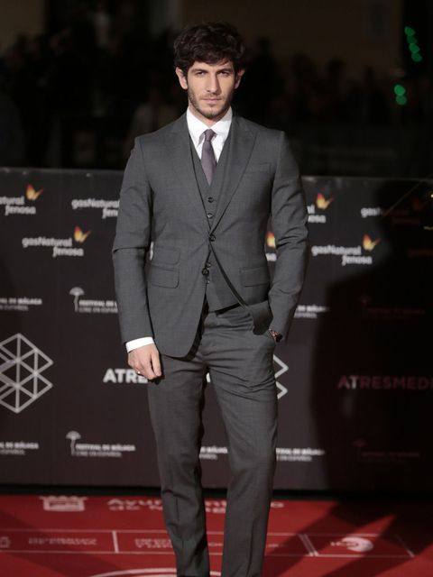 Suit, Formal wear, Clothing, Red carpet, Tuxedo, Carpet, Blazer, Premiere, Pantsuit, Outerwear,