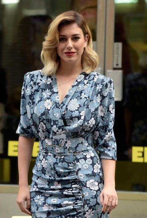 Sleeve, Shoulder, Joint, Collar, Style, Fashion model, Street fashion, Pattern, Fashion, Dress,