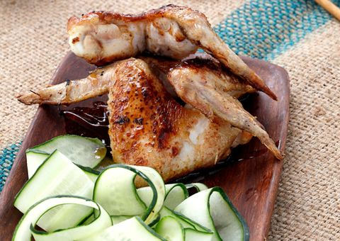 receta alitas de pollo coreanas con ensalada de pepino