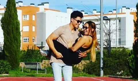 Interaction, Real estate, Knee, Bench, Youth, Sunglasses, Apartment, Love, Romance, Honeymoon,