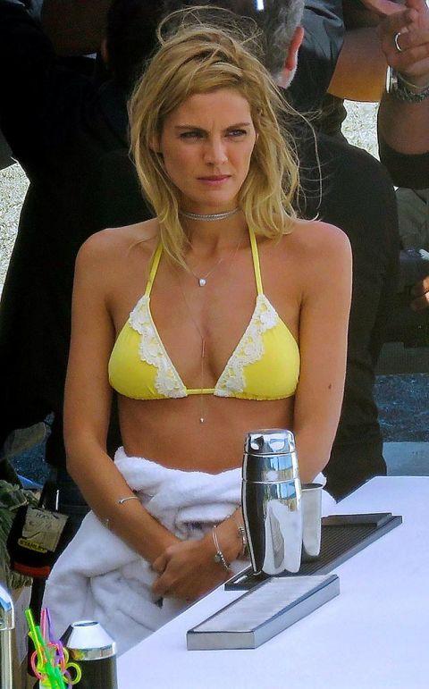 Bikini, Clothing, Blond, Swimwear, Swimsuit top, Undergarment, Surfer hair, Brassiere, Muscle, Model,