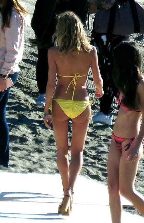 Clothing, Summer, Thigh, Undergarment, Back, Beauty, Fashion, Waist, Swimsuit bottom, Brassiere,
