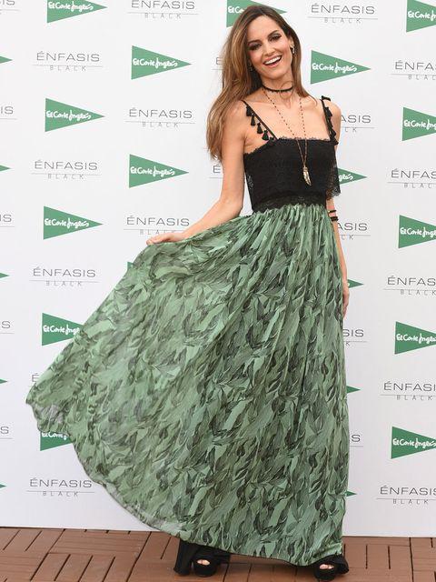 Clothing, Dress, Green, Shoulder, Fashion, Gown, Day dress, Waist, Fashion model, Fashion design,