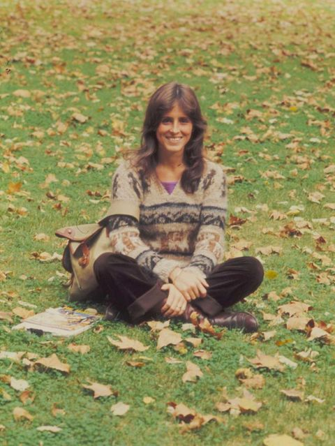 Leaf, Grass, Sitting, Autumn, Beauty, Tree, Smile, Fawn, Long hair, Plant,