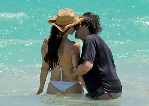Hat, People on beach, People in nature, Summer, Aqua, Love, Romance, Holiday, Interaction, Honeymoon,