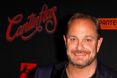 Red, Facial hair, Chin, Forehead, Beard, Smile, Moustache, Premiere,