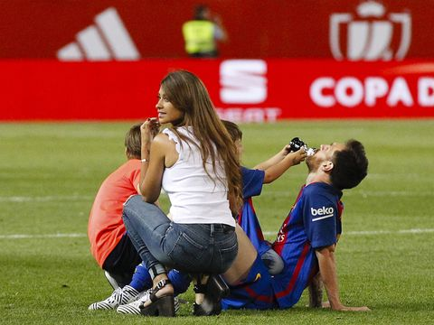 Player, Grass, Team sport, Sports, Sport venue, Stadium, Team, Ball game, Tournament, Fun,