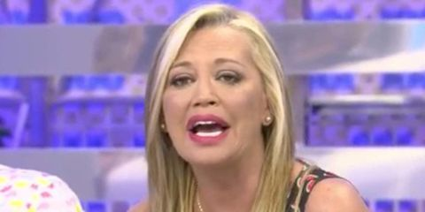 Hair, Blond, Television presenter, Facial expression, Cheek, Eyebrow, Mouth, Nose, Chin, Long hair,