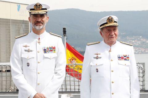Cap, Dress shirt, Sleeve, Collar, Military person, Uniform, Military organization, Naval officer, Headgear, Military uniform,