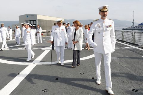 Naval officer, Standing, Uniform, Military person, Navy, Cap, Military uniform, Team, Military organization, Military,