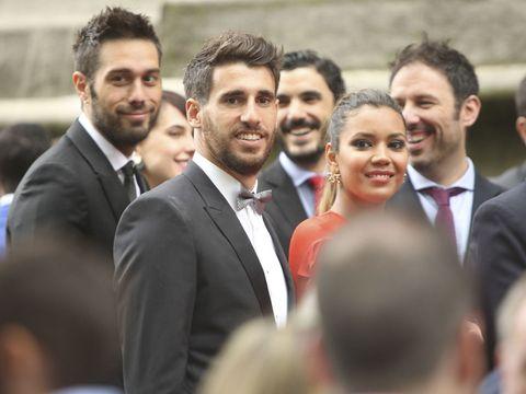 La rom ntica boda entre iker muniain y andrea sesma - Mikel lopez iturriaga novio ...