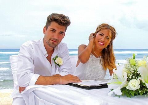 Petal, Bouquet, Photograph, Tablecloth, Dress, Happy, Bridal clothing, Flower, Cut flowers, Bride,
