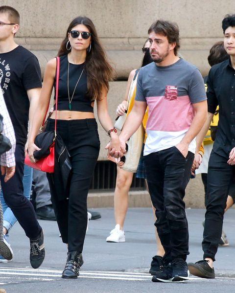 Street fashion, Clothing, Jeans, Fashion, Sportswear, Eyewear, Footwear, Sunglasses, Hairstyle, Leg,