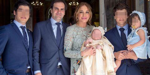 Gema Ruiz y Juan Díaz en el bautizo de su hijo Juan en Madrid