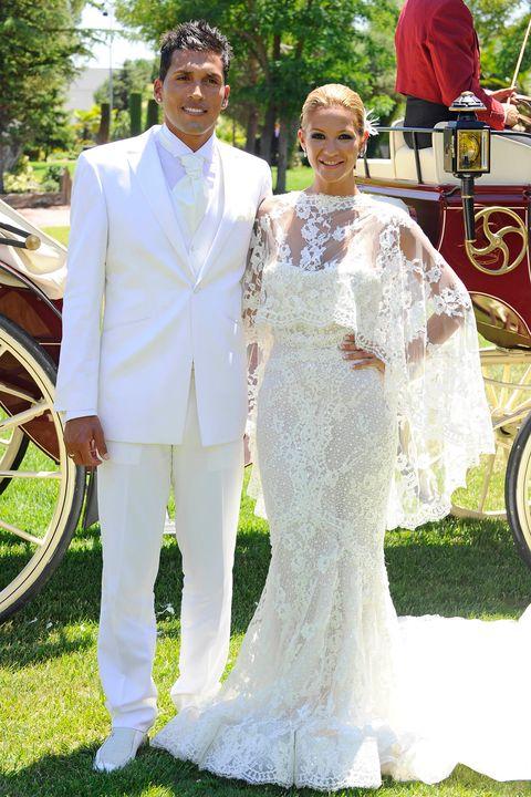 Wedding dress, Gown, Bridal clothing, Dress, Bride, Marriage, Clothing, Wedding, Ceremony, Formal wear,