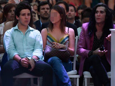 Hair, Face, Head, People, Eye, Human body, Crowd, Sitting, Audience, Fashion,