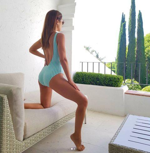 Clothing, Leg, Thigh, Beauty, Human leg, Fashion, Model, Photo shoot, Long hair, Monokini,