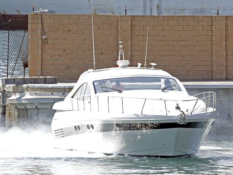 Vehicle, Water transportation, Speedboat, Boat, Yacht, Luxury yacht, Naval architecture, Boating, Watercraft, Picnic boat,